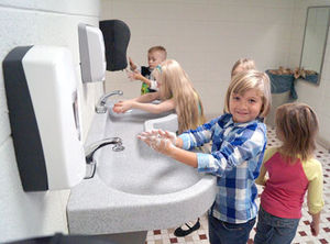 Aw, let the kids wash up together!